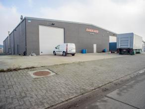 Recente loods (1.135m²), gelegen op industrieterrein Herdersbrug te Brugge. Goede bereikbaarheid E40 - E403 - A11.<br /> <br /> Indeling: <br />