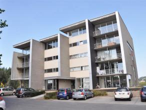 Appartement op 1°V. met 2 slaapkamers, ruime woonkamer, terras en prachtig zicht op de Sint-Pietersplas.<br /> <br /> INDELING:<br /> 1°V.: In