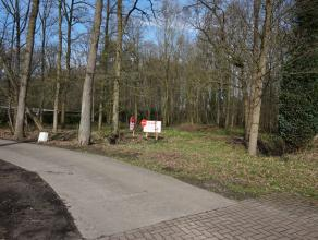 Residentieel gelegen stuk bouwgrond  in het Beukepark nabij het centrum met vlotte verbinding naar E40 & Knokkeweg. <br /> Bouwgrond van 3.262m&su