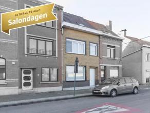 Deze instapklare woning bevindt zich op een boogscheut van het centrum van Kortrijk. Bijzonder vlot bereikbaar dankzij nabijheid van R8. <br /> <br />
