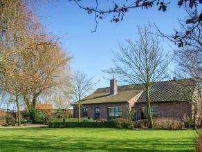 Landelijke villa in een oase van groen op een mooi domein van +/- 2.073 m².  Gelegen nabij belangrijke invalswegen en op slechts 2 km van AZ Delt