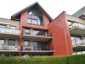 Schitterend appartement (96m²) met 2 slaapkamers en ruim zonneterras op een steenworp van Brugge, nabij de winkels, scholen en het openbaar vervo