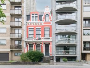 Deze ruime burgerwoning met voortuintje gelegen langs het Prinses Clementinaplein bevindt zich in een rustige woonomgeving omringd door groen en teven