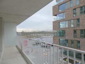 Prachtig nieuwbouwappartement (4°V.) met 1 slaapkamer, terras, ruime berging en staanplaats op ideale locatie. Nabij het station en dicht bij alle