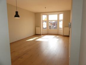 Ruim en zonnig appartement op 500m van de Brugse Markt met 2 slaapkamers en mogelijkheid tot huren van garagebox  in het centrum van Brugge.<br /> <br