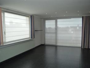Het betreft een modern appartement te Roeselare!<br /> <br /> Het appartement omvat: <br /> inkomhal - gastentoilet - lichtrijke living - keuken (voor