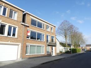 Prachtig appartement gelegen nabij het centrum van Brugge. Het appartement omvat twee slaapkamers, heeft veel lichtinval en mogelijkheid tot garage.<b