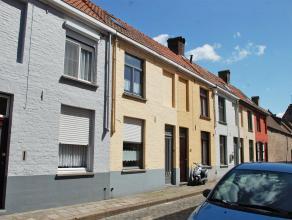 Gezellige, gemeubelde woning in het Centrum van Brugge. Woning geniet 2 slaapkamers.<br /> <br /> Indeling:<br /> Glvl.: Inkomhal - living (23m²)