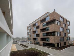 Nieuwbouw appartement met 2 slaapkamers, terras en staanplaats op perfecte ligging in Brugge. Dicht bij het station en alle invalswegen (expresweg, E4
