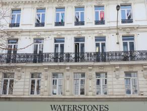 Ruim 2 slaapkamer appartement te huur in de Adolphe Maxlaan in het centrum van Brussel.<br /> Gelegen op de vijfde verdieping, gezellige living, keuke