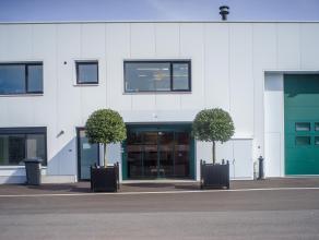 Perfect afgewerkt, instapklaar kantoor (ca. 100m²) op het Expresspark. <br /> <br /> Zes parkeerplaatsen inbegrepen in huurprijs, uitbreiding bes