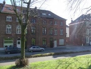 Gezellig, gerenoveerd appartement met 2 slaapkamers. Gelegen in de buurt van het Beursplein met zicht op de mooie Brugse Vesten.<br /> <br /> Indeling