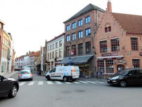 Modern gemeubeld appartement in het centrum van Brugge nabij het Astridpark en de Gentpoort. Het appartement biedt u onder andere 1 slaapkamer, ruime