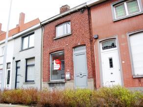 Deze volledig gerenoveerde woning, gelegen te Kortrijk, beschikt over twee slaapkamers. Bovendien is er helemaal onder het dak een ruimte voorzien, di