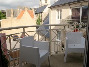 Duplex in het centrum van Gistel met 2 grote slaapkamers en 1 mezzanine die als (kinder)kamer of bureau kan gebruikt worden. <br /> Zonnig en luchtige