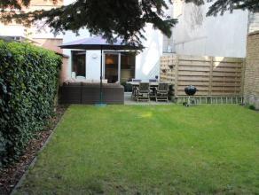 Volledig gerenoveerd appartement met 1 slaapkamer in het centrum van de stad.<br /> Achteraan het appartement is er ruime zuidgerichte tuin (75m²