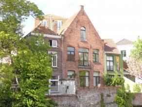 Gezellig appartement met 1 slaapkamer op prachtige locatie in het centrum van Brugge.<br /> <br /> Indeling:<br /> 2°V.: Woonkamer in parket met p
