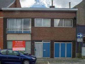 Te renoveren woning/handelseigendom (bewoonbare oppervlakte van 240 m²) in centrum Rumbeke.<br /> <br /> Indeling:<br /> <br /> *Gelijkvloers: op