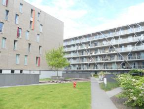 Nieuw, ruim nieuwbouwappartement op fantastische locatie, aan het station en dicht bij alle uitvalswegen (Expressweg, E40,...).<br /> Het appartement