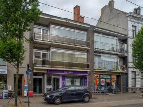 Dit gebouw bestaat uit 3 entiteiten en is gelegen op wandelafstand van Gent Dampoort. Het pand is gelegen langs de Dendermondsesteenweg waardoor het g