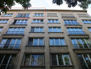 Gelegen aan een van Kortrijks groene lanen ligt deze klassevolle residentie. Het appartement op de 6de verdieping, tevens de hoogste verdieping van de