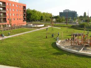 Het appartement (96,30 m²) situeert zich in het nieuwbouwproject 'Blaisantpark', met een perfecte verbinding met het openbaar vervoer en op fiets