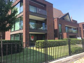 Gelijkvloers nieuwbouwappartement met 2 slaapkamers, tuin en staanplaats in residentie Isola Bella, gelegen aan 't Stil Ende aan de Ezelpoort.<br /> <