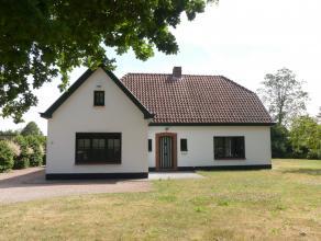 Villa met 4 slaapkamers en een grote zonnige tuin te Sint-Andries. Woning geniet een prachtige ligging met vlotte verbinding naar het centrum van Brug
