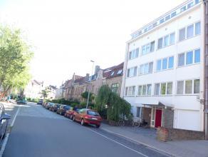 Studio aan de stadsrand van Brugge.<br /> <br /> Indeling:<br /> Glvl: Woonkamer (13m²) met kitchenette met elektrische kookplaat, spoelbak en ka