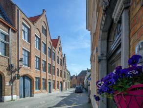 Rustig gelegen appartement in hartje Brugge met 3 slaapkamers. Gelegen in een zeer rustige straat zijnde Groeninge, te midden het historische centrum