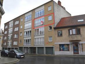 Volledig vernieuwd appartement in het centrum van Ieper. Het appartement beschikt over twee slaapkamers en een garage! Lift aanwezig in het gebouw. De