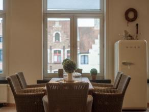 """Lichtrijk appartement in residentie """"De Oude Drukkerij"""" voorzien van hoge plafonds, waardoor men een aangenaam ruimtegevoel verkrijgt. Dit appartement"""