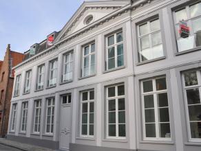 Prachtig instapklaar appartement met 2 slaapkamers in het centrum van Brugge. Het appartement is gelegen op de 2e verdieping van een standingvol gebou