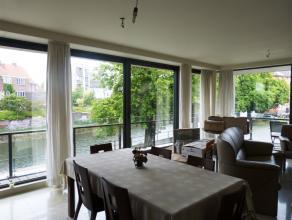 Dit ruim appartement met 3 slaapkamers en terras is gelegen op een zeer rustige ligging nabij het Sint-Annaplein. Het centrum van Gent is gelegen op w