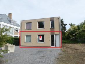 Gelijkvloers appartement met 2 slaapkamers en onderhoudsvriendelijke tuin nabij het centrum van Brugge.<br /> <br /> Indeling:<br /> Glvl.: inkom - wo