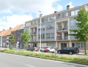 Centraal gelegen appartement met 2 slaapkamers en autostaanplaats in centrum Brugge. Met perfecte verbinding naar station, expresweg, E40, E403 ...<br