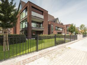 Gelijkvloers nieuwbouwappartement met 2 slaapkamers en tuin + staanplaats in residentie Isola Bella, gelegen aan 't Stil Ende aan de Ezelpoort.<br />