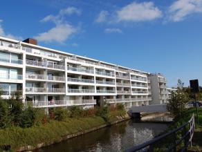 Schitterend en recent appartement van +/- 102 m² op het 2de verdiep met een open zicht op het Zuidervaartje en de Brugse Vesten. Het appartement