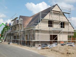 Deze half open woning lot 2 maakt deel uit van het toekomstige woonproject Vierkronenhof. Deze site voorziet 15 betaalbare woningen op een rustige loc
