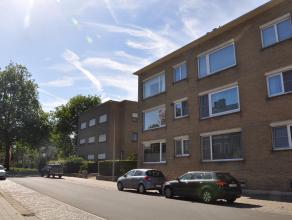 Dit hoekappartement is gelegen in een rustige straat in Kristus-Koning, vlakbij het centrum van Brugge, invalswegen, Expressweg, winkels, scholen, ont