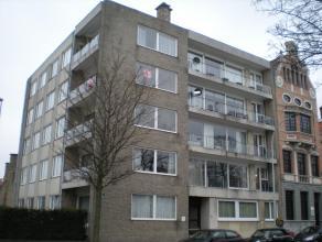 Met zicht op t Stil Ende : Ruim zonnig appartement op 3e verdieping, met ruime inkomhal, toilet, living, ingerichte keuken, terras, 3 slaapkamers, 2 b