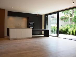 """Het appartement maakt deel uit van het klassevolle nieuwbouwproject """"De Wispeltuin"""" dat gesitueerd is in een rustige omgeving met een prachtige tuin i"""