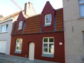 Uiterst kwalitatieve rijwoning met 2 slaapkamers en stadskoer in de Brugse binnenstadPrachtige rijwoning in het hartje van Brugge vlakbij Begijnhof en