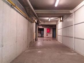 Autostalplaats met aparte berging in ondergrondse parkeergarageAutostalplaats met aparte berging in ondergrondse parkeergarage.Open autostalplaats met