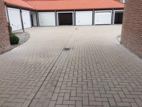 Garage van 16m² dichtbij de Smedenpoort. Perfecte ligging!Ideaal gelegen garage van 16m² op wandelafstand van de Smedenpoort. Afmetingen:L: