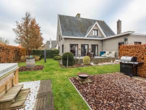 """<br /> Deze multifunctionele woning is rustig gelegen met een """"op de buiten"""" gevoel en tegelijk op steenworp-afstand van Brugge. De woning is Zeer goe"""