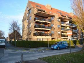 Prachtig gelegen ruim appartement net buiten het centrum van Brugge. nLiving 42m², ing. keuken, wasplaats, badkamer, 3 slaapkamers, groot zonnete