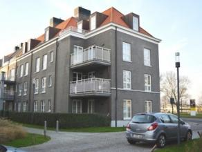 Prachtig nieuwbouw appartement met duurzame materialen te Brugge. Deze bestaat uit een ruime inkom, berging, gastentoilet, woonkamer met veel licht en