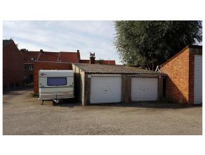 Garage gelegen aan de rand van Brugge in Sint-Pieters, langs invalsweg naar het centrum van Brugge.Onmiddellijk vrij!