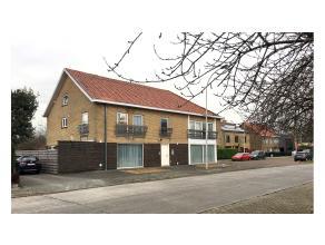 Dit modern en instapklaar 2-slaapkamer duplexappartement is ideaal gelegen in een zeer rustige woonwijk van Sint-Andries Brugge. Meerdere parkeermogel